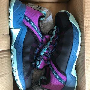 NWB THE NORTHF FACE TRAIL ESCAPE PEAK Run shoe 8.5